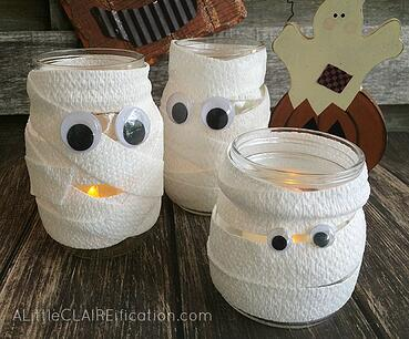 Mummy-Mason-Jar-Luminaries-Cutest-and-Easiest-Halloween-Crafts-Ever